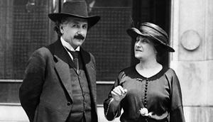 Альберт Эйнштейн со своей второй женой Эльзой