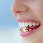 Сладкие газированные напитки разрушают зубы