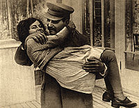 joseph_stalin_with_daughter_svetlana_1935