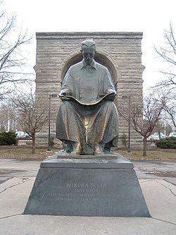 Памятник Тесле в Ниагара Фоллс (англ. Niagara Falls State Park), США