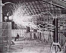 Никола Тесла в лаборатории в Колорадо-Спрингс. Начало 1900 годов